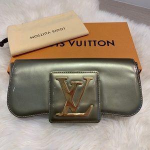 Louis Vuitton Monogram Vernis Leather Sobe Clutch